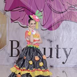 Recycle Fashion 3 by Agus Mahmuda - People Fashion ( dress, recycle, designs, costume, fashion photography, creative, fashion )
