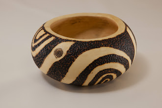 "Photo: Tim Aley 5"" X 2 1/2"" bowl [holly]"