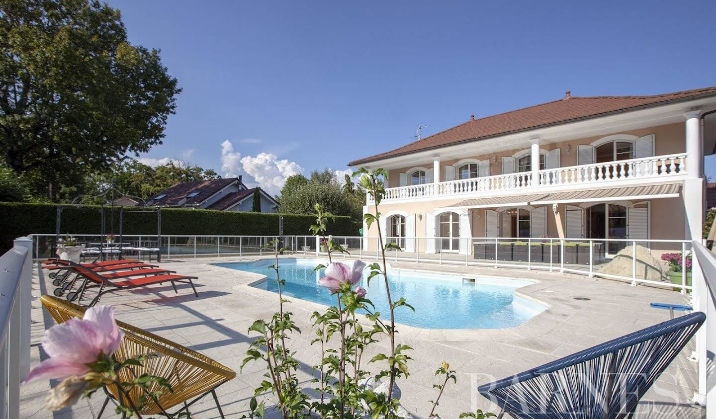 Villa with pool and terrace Prévessin-Moëns