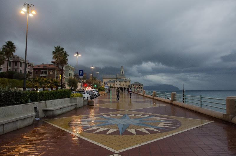 piove in passeggiata di Elisabetta Castellano