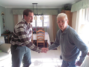 Photo: Assistant Director of Veterans Affairs thanks WWII vet
