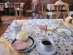 Photo: frühstück ou petit dej en francais. bon ça à l air sympa comme ça. mais ça lasse
