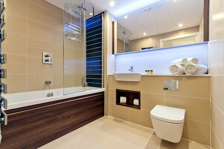 Main bathroom at Altitude by Q Apartments
