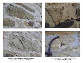 Photo: Infotafeln erläuterten die Probleme im Mauerwerk.