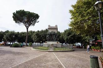 Photo: Statue in Piazza Trento in Tivoli, Lazio, Italy