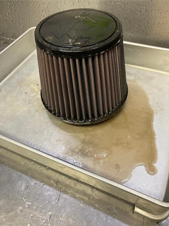 CX-5 KF5Pの25T,K&Nエアフィルター,掃除,毒キノコ フィルター交換に関するカスタム&メンテナンスの投稿画像3枚目