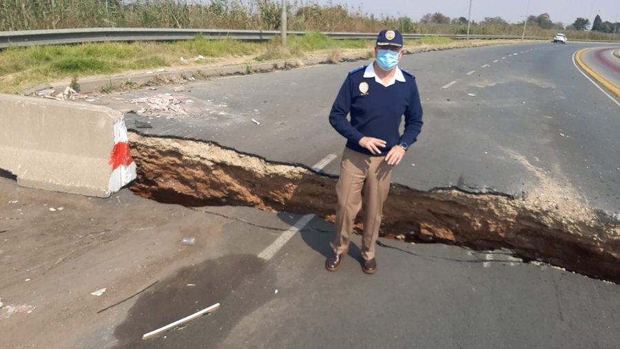 Giant sinkholes leave roads disfigured in Gauteng and Western Cape