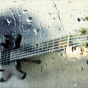 bass guitar 3.jpg