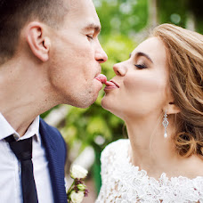 Wedding photographer Kristina Rozova (rozova). Photo of 07.08.2017