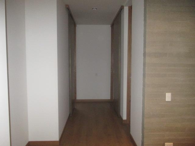 apartamento en arriendo las lomas 743-2463