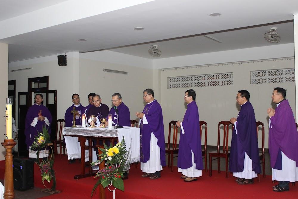 Các đoàn thể kính viếng Đức Cha Phaolô mới qua đời - Ảnh minh hoạ 14