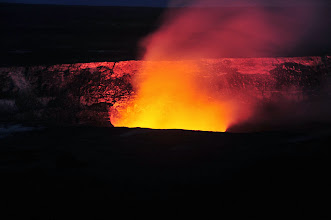 Photo: Kīlauea lava-lake's glow.