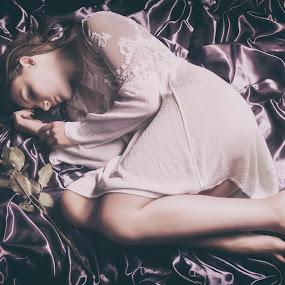 by Alex supertramp Bukowski - People Portraits of Women ( concept, model, idea, dream, mood, photo, photography, portrait, love, rose, lefotodialex, d750, nikon, fine, passion )