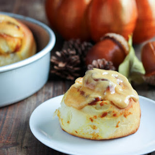 Pumpkin Pie Stuffed Cinnamon Rolls #breadbakers