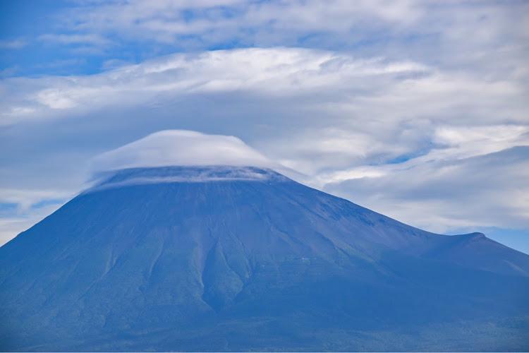 ヴォクシー ZWR80Wの海の見える風景,夕陽に照らされて,カメラ好きな人と繋がりたい,車写活,今日の富士山🗻に関するカスタム&メンテナンスの投稿画像10枚目