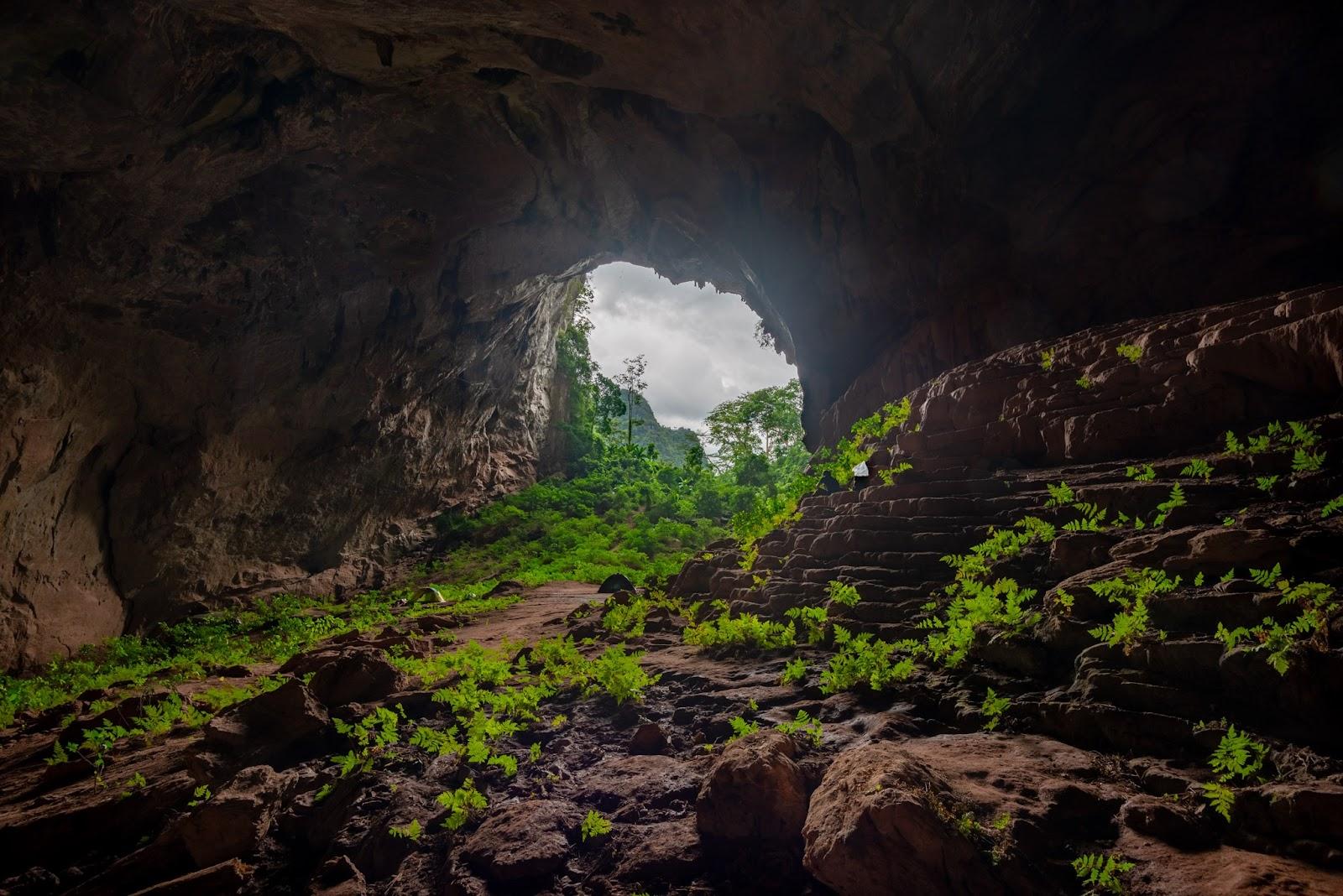 inside tiger cave -