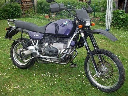 Ehemalige Straßenmaschine von BMW Motorrad mit GS Trimm