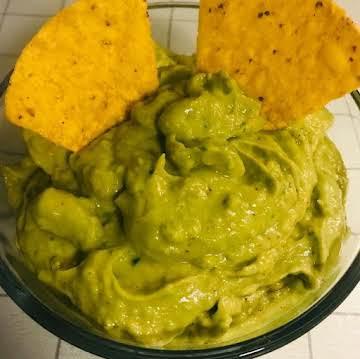 My BEST Guacamole Dip