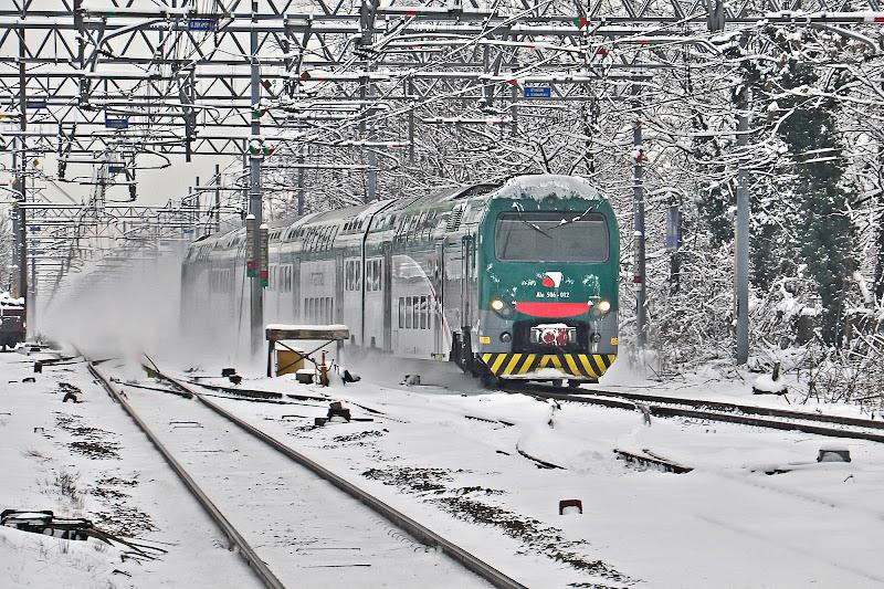 treno e neve di AlfredoNegroni