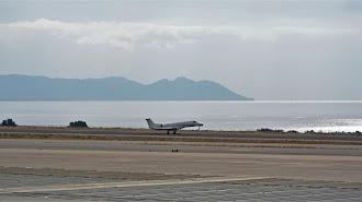 Los aviones regresan poco a poco al aeropuerto almeriense.