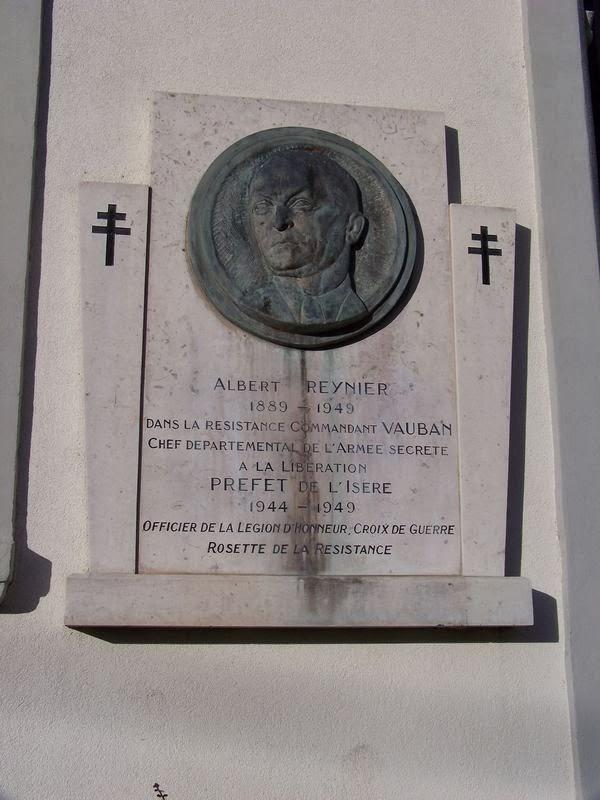 Une plaque à la mémoire d'Albert Reynier