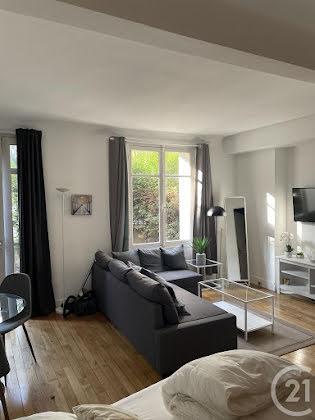Location studio meublé 27,6 m2