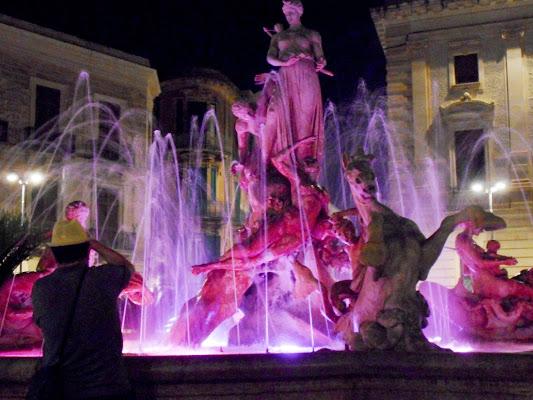 foto al fotografo della fontana di Ortigia di luciano55