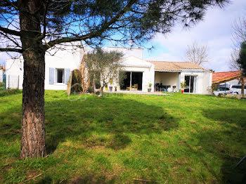 maison à Breuil-Magné (17)