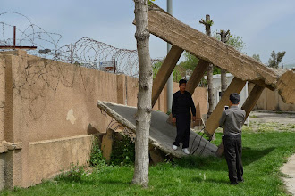 Photo: Taking pictures,  Emne Sureke, Suleymaniya 2015