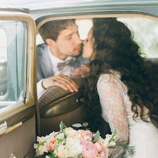 Wedding photographer Elena Ilyanova (Horo). Photo of 09.02.2018