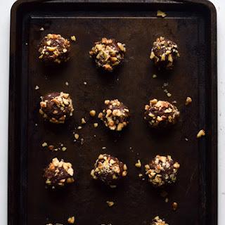 Easy Chocolate Pumpkin Energy Balls