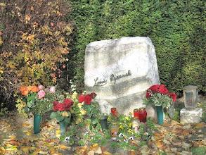 Photo: Ein bescheidenes Grab für eine der großartigsten Sängerinnen aller Zeiten. Foto: Regina Garten