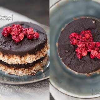 Raw vegan Snickers cake