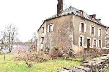 maison à Saint-Bonnet-de-Salers (15)
