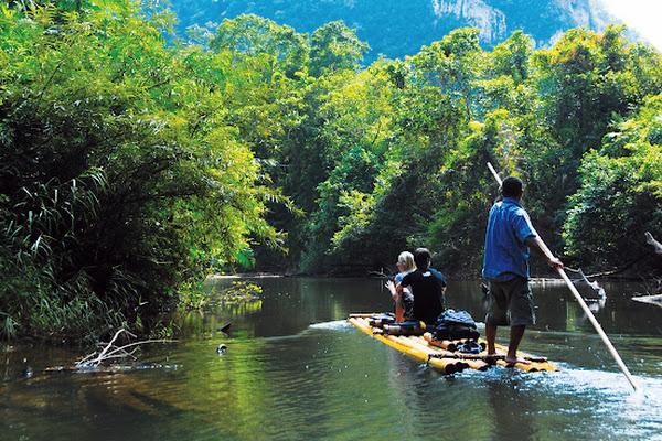 Canoe along the Khao Sok river