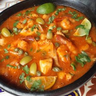 Mariscos en Salsa (Seafood in Salsa).