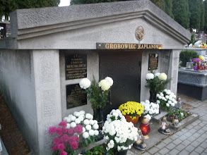 Photo: Grobowiec księży