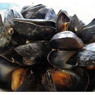 Mussels With Garlic and Herb Butter