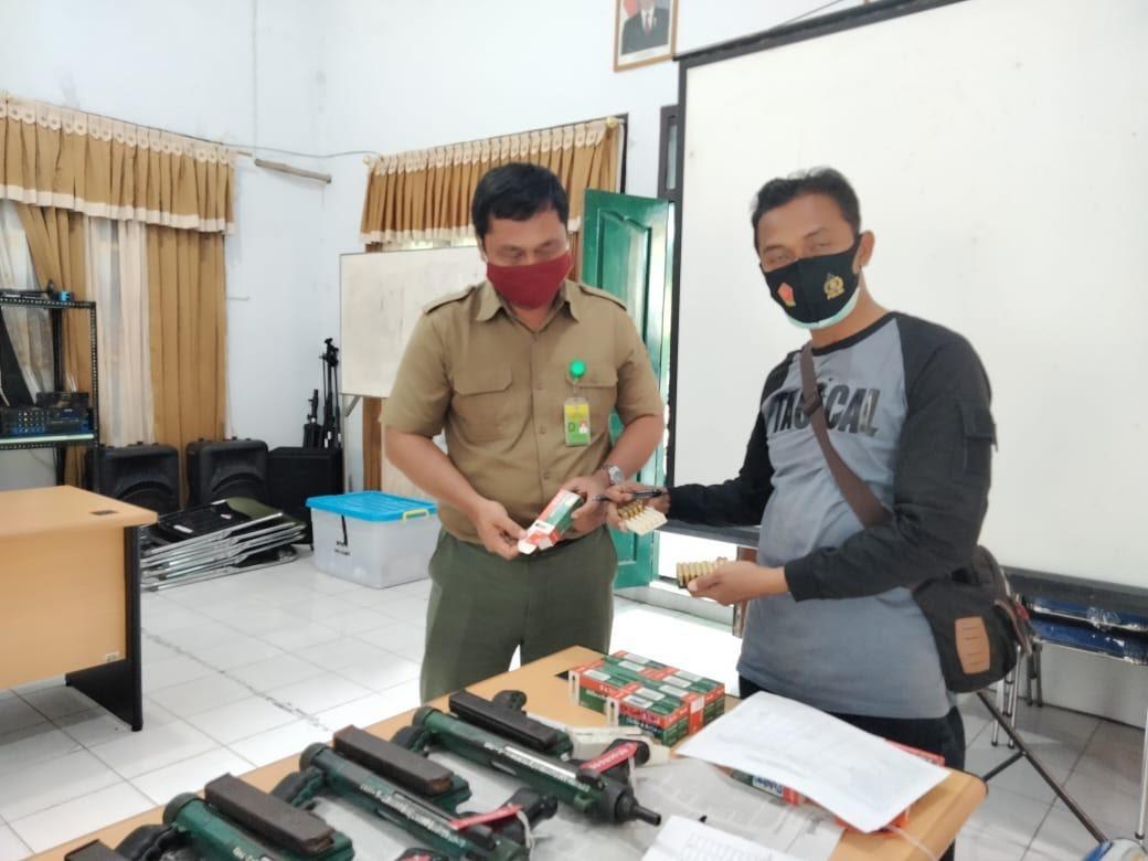 Satintelkam Polres Kobar Cek dan Pendataan Senpi Non Organik di Balai TNTP