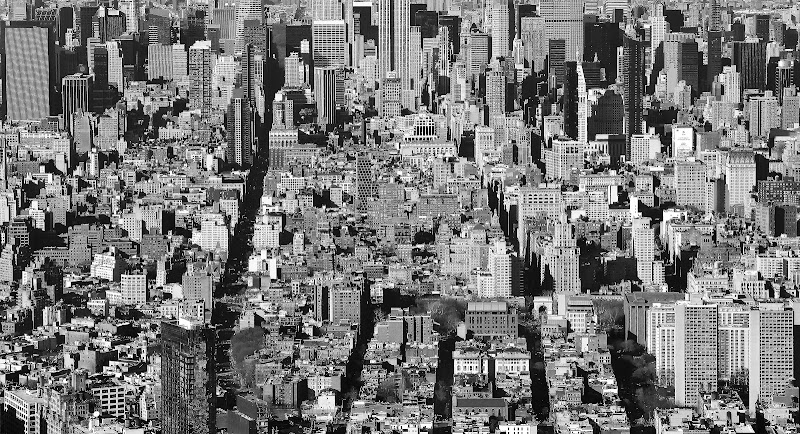 Manhattan in B&W di Luciano Tassone