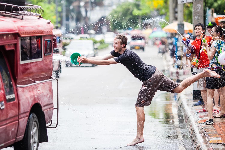 Có một lễ hội Songkran sôi động chờ bạn tham gia trong dịp tháng 4 tại Thái Lan - ảnh 14