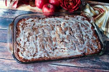 Apple Spice Cinnamon Swirl Coffee Cake