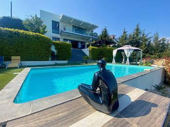 Villa 6 pièces 240 m2