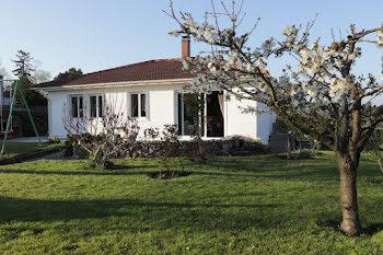 maison à Saint-Jean-les-Deux-Jumeaux (77)