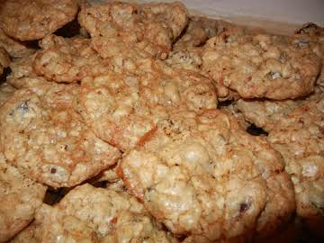 Old Fashion, Yummy Oatmeal Cookies - Connie's
