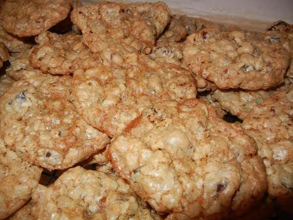 Old Fashion, Yummy Oatmeal Cookies - Connie's Recipe