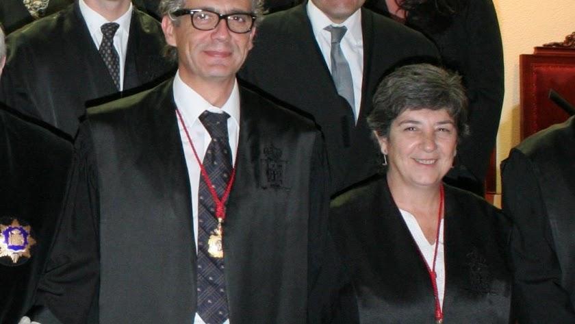El decano Juan Luis de Aynat y la diputada primera Rita María Sánchez