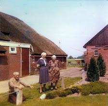 Photo: Egbert en Marchien Nijhof en Jeichien (moeder)
