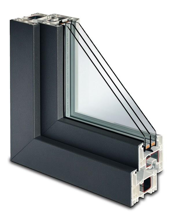 Renomowani producenci oferują pełną gamę kolorystyczną RAL nakładki aluminiowej.