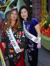 Photo: Pasadena Rose Parade 2013 Spanish Guest Riders on the Float